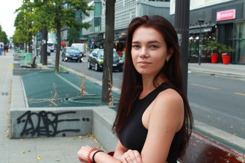 Девушка ищет работу украина работа девушкам в эскорте казань